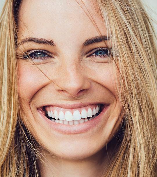 Zahnästhetik für wunderschöne und gesunde Zähne